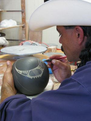 Mata Ortiz Pottery With Master Potter Jerardo Tena